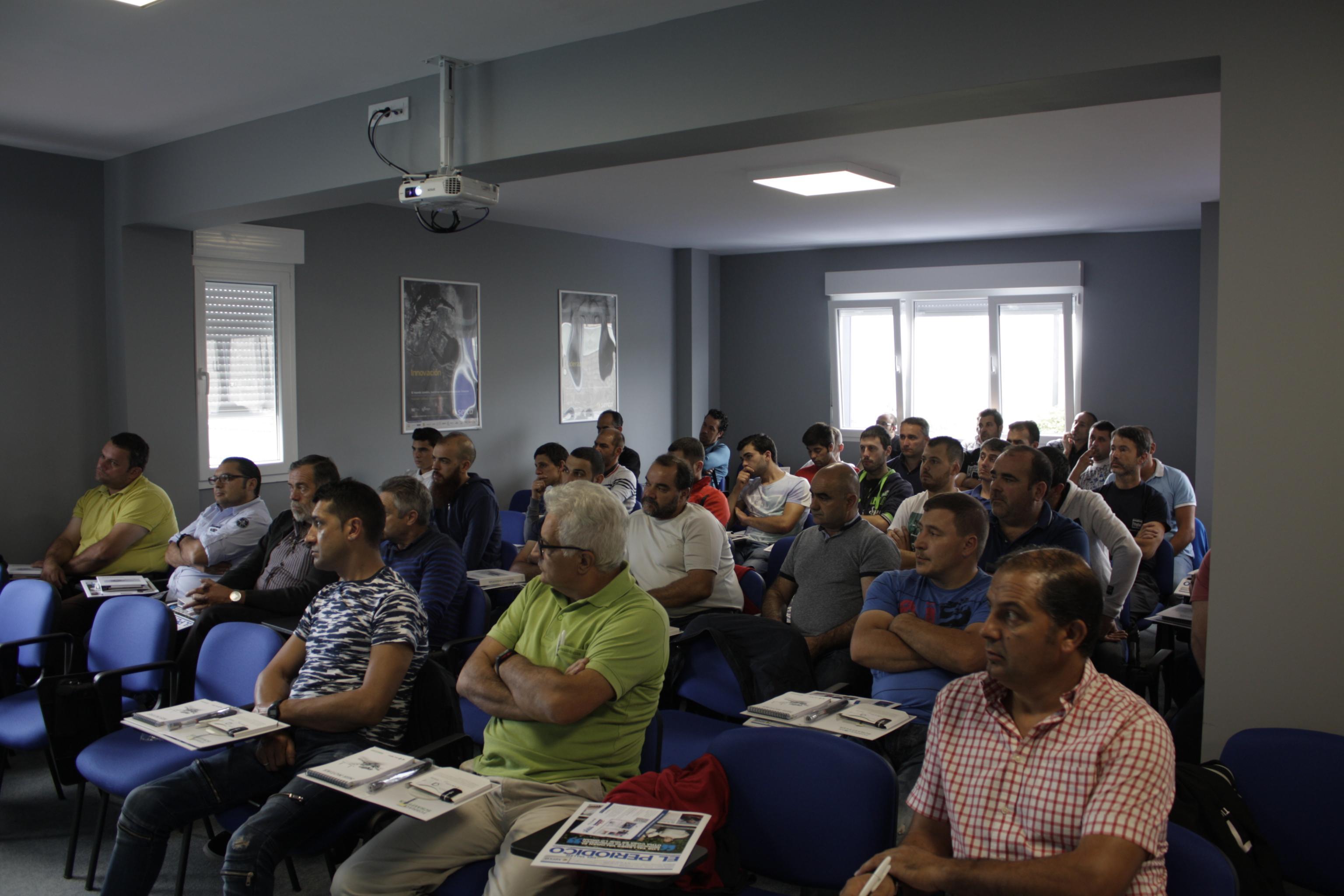 Recambios Ochoa Jornada Técnica Transmisión LUK Schaeffler OURENSE VIGO CAMBADOS (1).jpg
