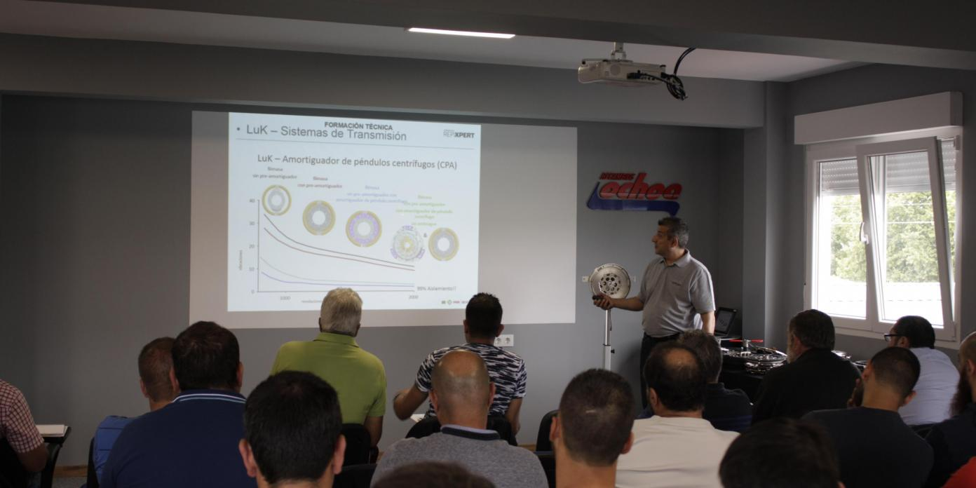 Recambios Ochoa Jornada Técnica Transmisión LUK Schaeffler OURENSE VIGO CAMBADOS (2).jpg